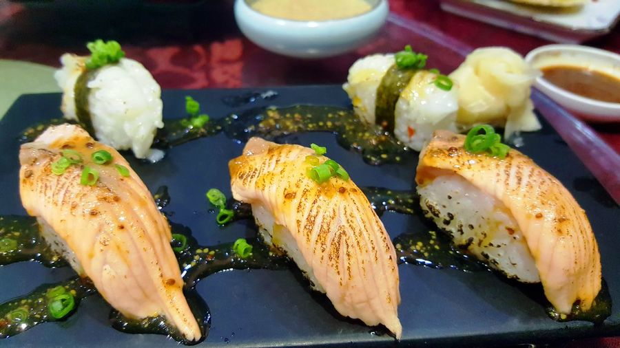 Japanese Food in Dongguan Grill Salmon Sushi Freshness Ready-to-eat Seafood Sushi