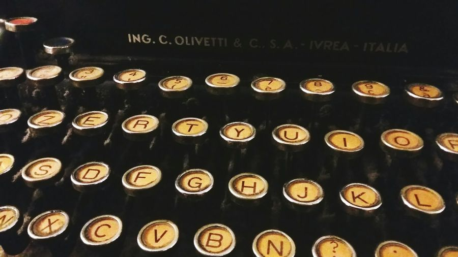 Text No People Day Indoors  Old-fashioned Close-up Typing' Olivetti Typewriter Olivetti