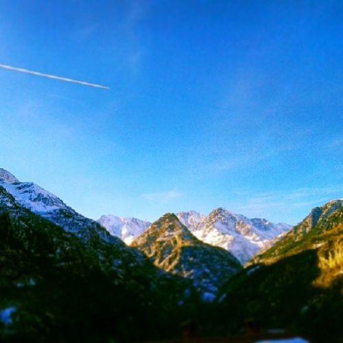Trasqueracity Sunny Mountains