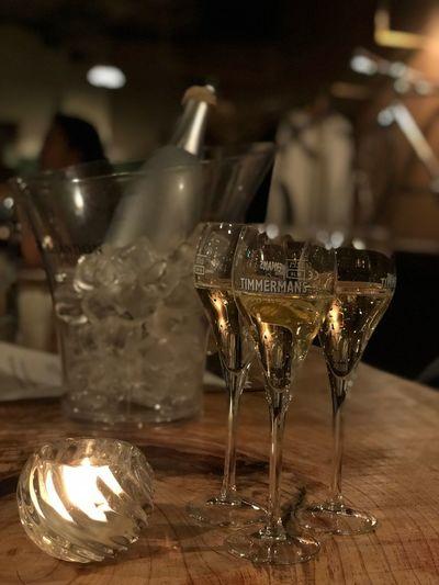 와인 Wine Food And Drink Glass Indoors  Refreshment Alcohol No People Table