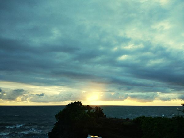 sunset in Tanah Lot beautiful the sky.. INDONESIA Bali Iloveindonesia Tourist Bestholiday Sea Horizon Over Water Cloud - Sky Nature Dramatic Sky Scenics Water