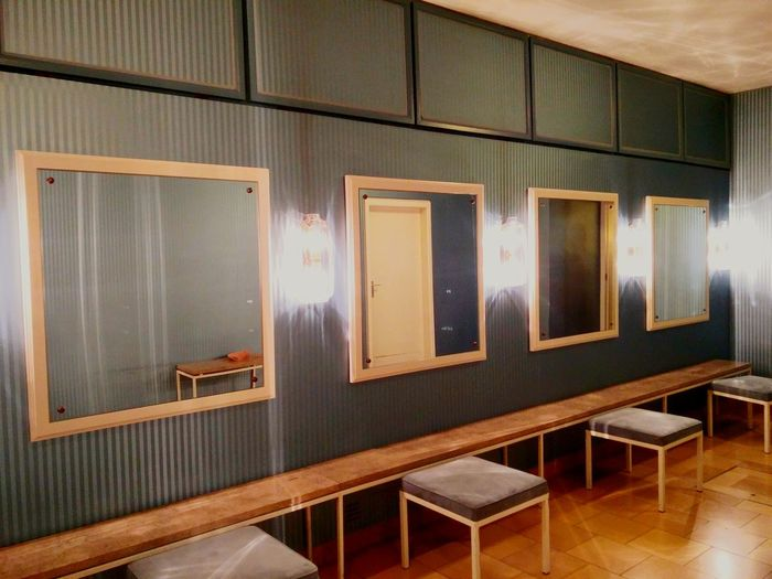 Illuminated No People Mid Century Interior Interior Design Ladys Only Toilettenraum Munich, Germany Staatsoper Electric Light Bright Indoors