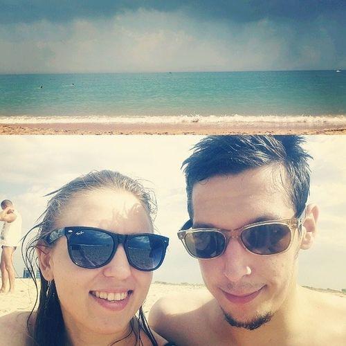 Выхи, море, солнце и мы ) как ни странно, пляж полупустой Weekend Blackseaside Sea Rest nicecouple sunnyday summer sunglasses style rayban relax