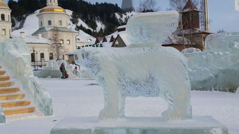 Медведь, ледовый городок, г.Ханты-Мансийск Ice Bear My Town Siberia Khanty-Mansiysk дыхание севера мойгород сибирь