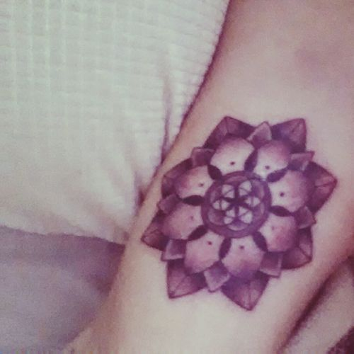 I've never been in love with something so much. Mandala Seedoflife Tattoo Spontaneous