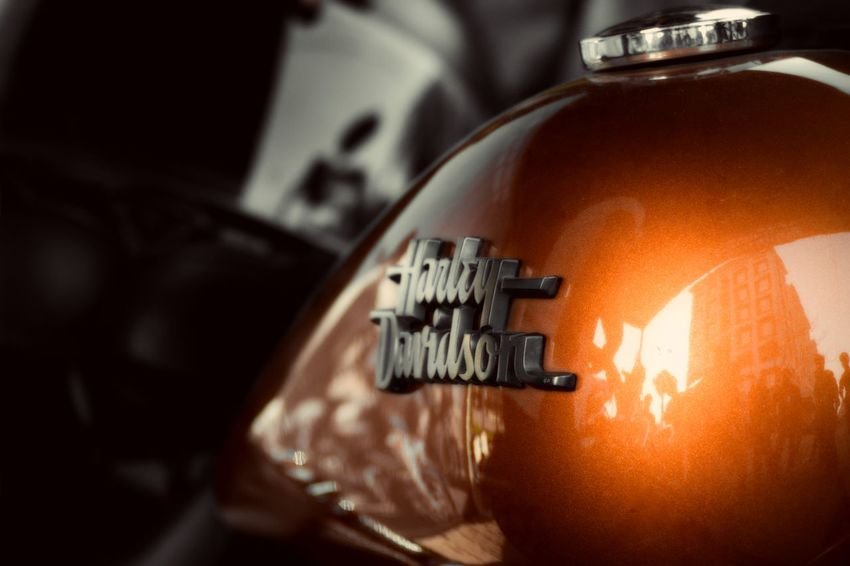No caption needed. Beast On Road Beautiful Logo Fuel Tank Live To Ride! Orange Colour Street Bob Super Bikes United Harley Davidson