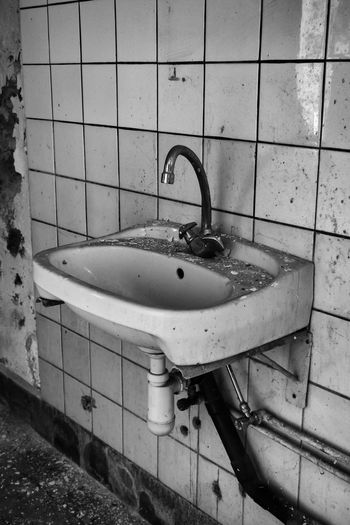 Abriss Bathroom Blackandwhite Demolished By Nature Destroyed Dirty Distortion Domestic Bathroom Indoors  Leipzig Obsolete Sink Tile Unhygienic Water Tap