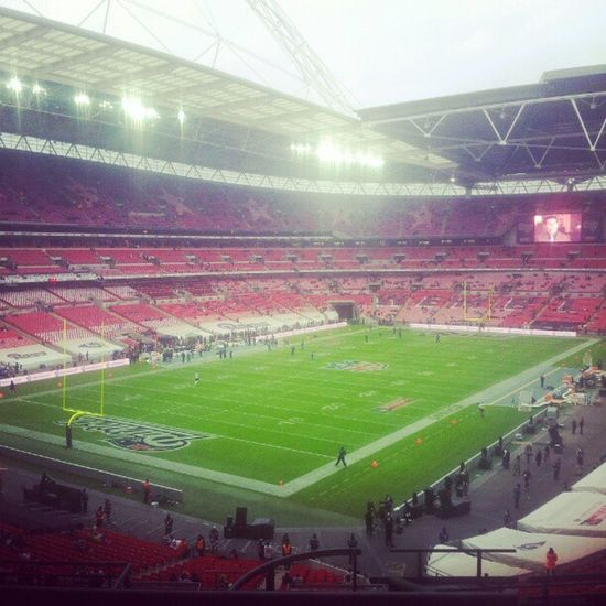 NFL at Wembley Wembley NFL Patriots  Rams Touchdown Brady Stadium Game Match American Football Pitch Sun Clouds Sky Day View