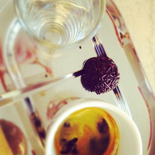 Καλημερες πιπολ Coffe Morning Goodmorning Feelings coffetimeworkbreaknoondrinkcourthouserunningcoffetableinstacoffeeespressohotjoydowntownspringinstamoodbadmoodinstatimemydailycapturemydailycapture