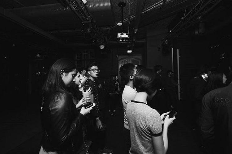 Socializing at its finest. Goldenage Socializing Cellphonegeneration Ugmingle