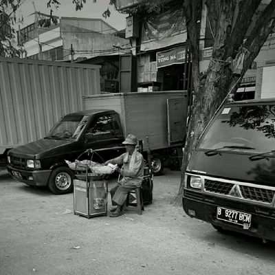 Gorengan. Streetfood Jakarta Sesuatu Bw