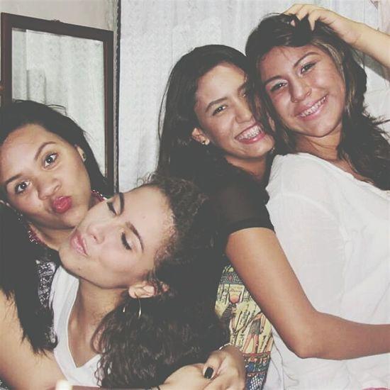 Amigas mas qUE hermanas.
