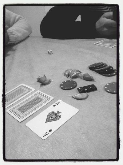 Poker de alho com os amigos. Inédito
