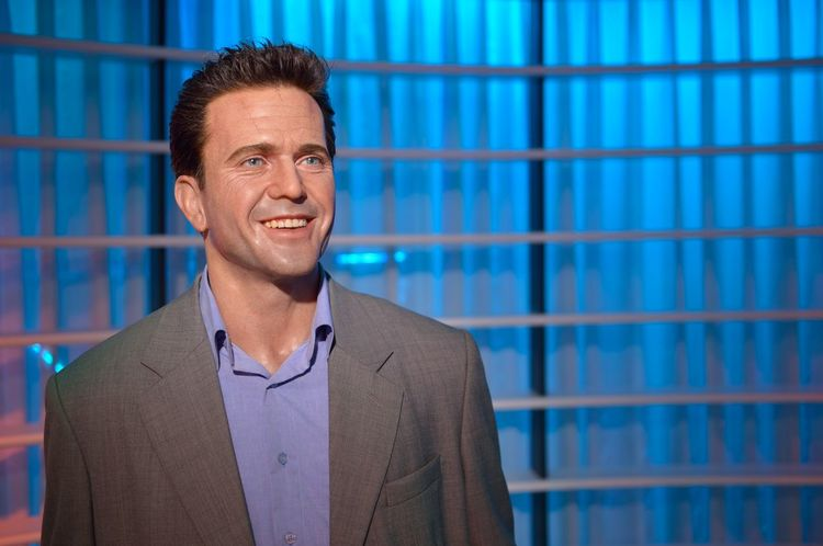 Mel Gibson Casual Clothing Confidence  Contemplation Fashion Front View Happiness Indoors  Lifestyles Looking At Camera Madame Tussauds Men Mid Adult Person Portrait Real People Serious Standing Wax Dolls Wax Museum Young Adult Young Men