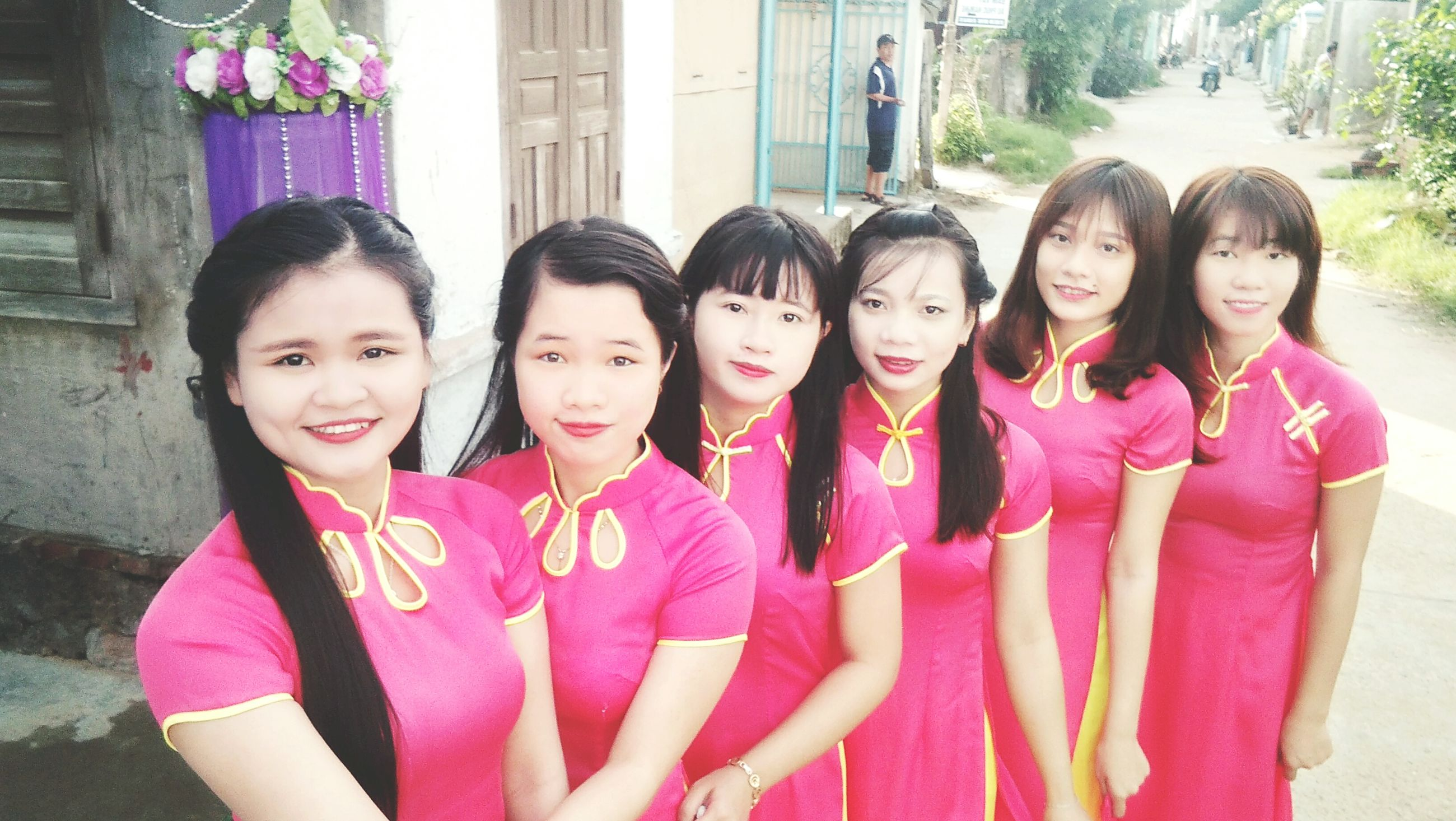 togetherness, young women, love, lifestyles, bonding, leisure activity, friendship, happiness, standing, portrait, teenage girls, looking at camera, smiling, side by side, girls, casual clothing, young adult, person, front view, friend, teenage boys, pink color