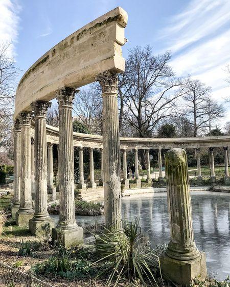 Bon dimanche! Happy Sunday! Loves_paris Sunlight Columns And Pillars Blue Sky Column Cold Temperature Photooftheday EyeEm Best Shots Parisweloveyou Parisjetaime Paris