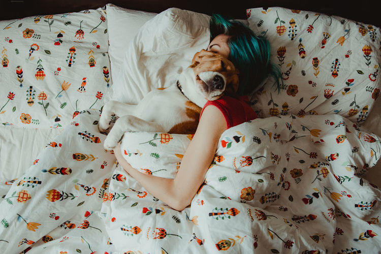 Nuca the beagle and her girlfriend, in the bed Indoors  Bed Furniture One Animal Pets Domestic Animals Relaxation Domestic Mammal Resting Vertebrate Canine Floral Pattern Dog Eyes Closed  IKEA Ikea Design Morning Morning Light Morning Rituals Love Girlsfriends Flowers Beagle Dogs Of EyeEm