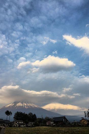 富士山ふたつ😳 Cloud
