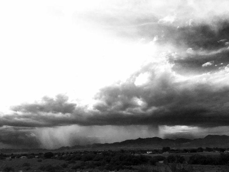 Monsoon season begins in Safford, Arizona Monsoonseason Outdoor Photography Mothernature Summertime Clouds Arizona Sky Landscape_photography Nature Sunset Light Arizona Skies Sky Skypainters Nature Photography Clouds And Sky Beauty Beauty In Nature Safford Outdoors