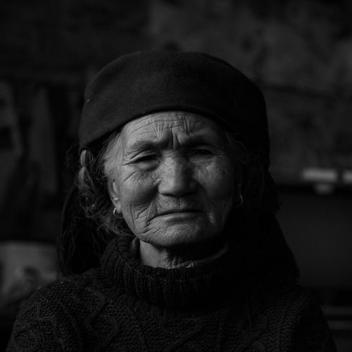 Yuanyang H a ni Yunnan B la ck And White Old Women Fresh On Market 2017