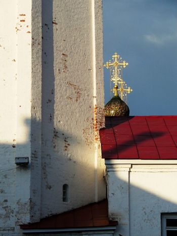 Day No People Outdoors Travel Destinations Ancient City Churches Golden Cross Russian Church White Washed Wall White Washed Building Tourism Red Roofs