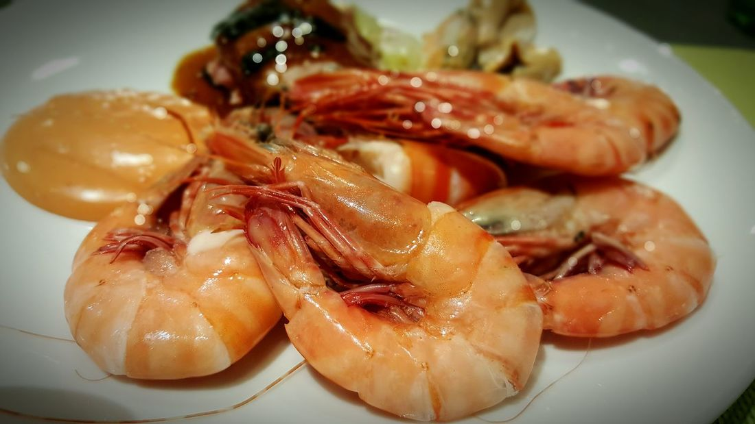 Seafood Food And Drink Food Indoors  Freshness Healthy Eating Ready-to-eatprawn Freshly Cooked Prawns No People Table Serving Size Plate Close-up