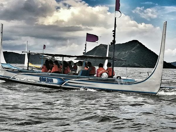 TAAL EXPLORERS Waterscape Travel Destinations Boating In The Lake Lakers Exploretaal