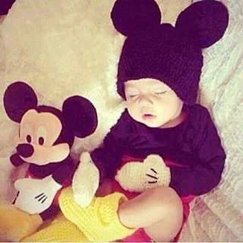 Relaxing Sleepy Baby Cute Baby Check This Out Beautiful ♥ Lovely Baby Boy Mickey Mouse