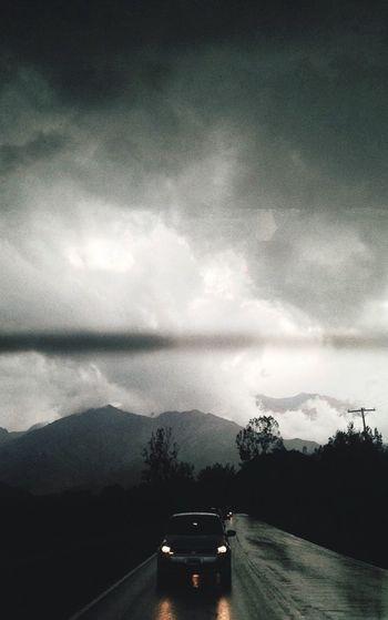 Mendoza. Car Diagris Pioggia Rain Montagne Montana Oscuro