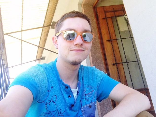 Hoch die Hände Wochenende ^^ Sunglasses 😃. One Person Day Young Adult Young Men Outdoors Gay Gayguy D'Sunne Gniese