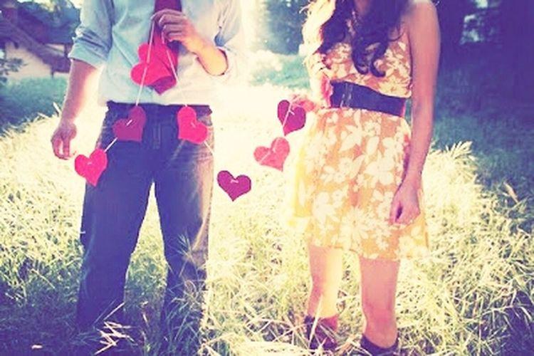 Hello World Love ♥ Good Memories Hello :) #boatarde Amar e sentir saudade , amar e lembrar do passado e comecar a rir juntos , amar e aceitar um ao outro mesmo com certo defeitos, amar e da a vida um para o outro .