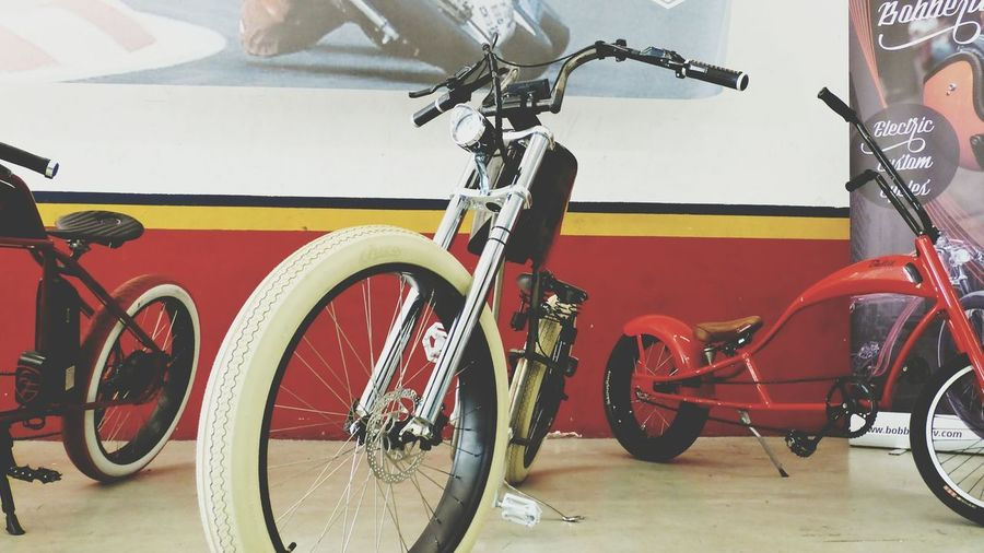 Big custom bikes always rules. Tires Wheel Bike Bicycle Custom Harley Custom Bikes Red Lifestyles Fuckpolice Iron Carbon Expensive Leisure Activity Chopper Sport Cycling Style València HotWheels Tire City Riding Pedal