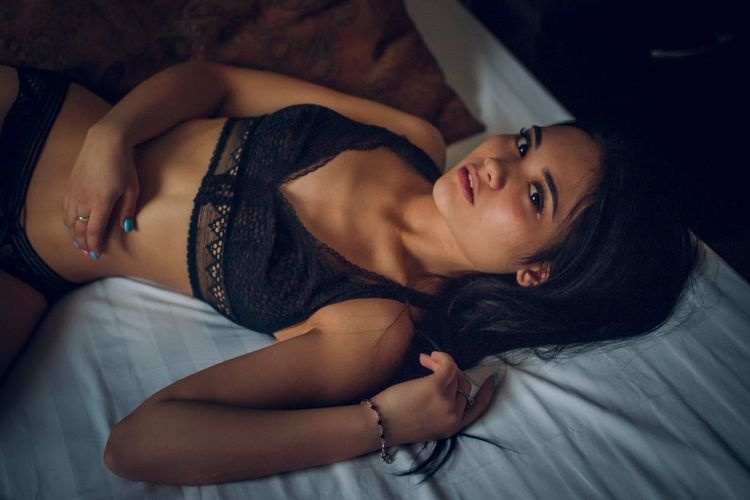 my Instagram: valeria_holiday 💎 Bedroom Portrait Beautiful Woman Bed Beauty Young Women Beautiful People Women Looking At Camera Lying Down Napping Cozy Pillow