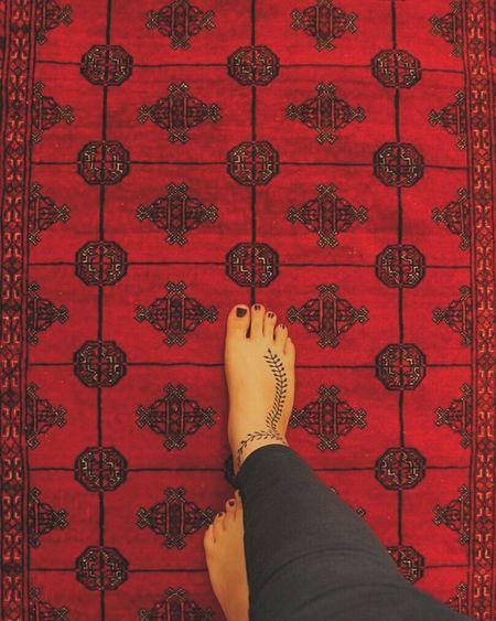 . Henatattoo Hena Design Hena Carpet Carpet Design Carpetiran Iranianphotographers Iran Iranshots IR Red Red-carpet Persian Persian Carpet Persian Girl Persian Art Persiandaily Persianlikes حنا  حناء