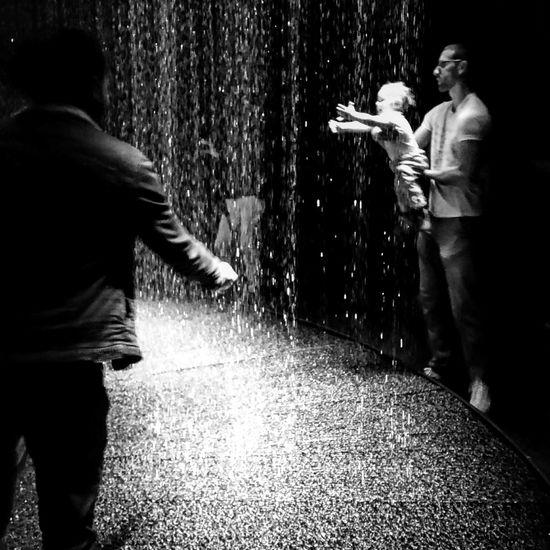 Rain Light Elephantpaname The Play Of Brilliants Lumière Paris, France  Light Rain Exposition Light In Water DGT