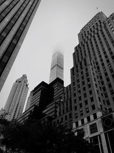 Gratte Ciel Skyscraper Sky And Clouds Skyscrapers In The Clouds Skyscrapers Manhattan New York New York City Buildings Buildings & Sky