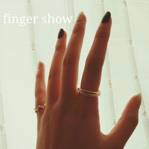 finger show Finger Fingers Popular Photos That's Me Hello World People Someone Fingernails Rings