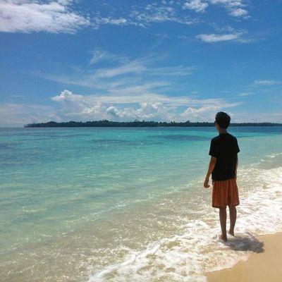 You see!? This is Heaven :3 __________________________________ Loc: Pulau Asap, Pulau Banyak, Aceh Singkil. Indonesiajuara Lingkarindonesia Wu_indonesia Indonesiaku indonesia_paradise exploresumatra moorishsupply livefolkindonesia indotravellers