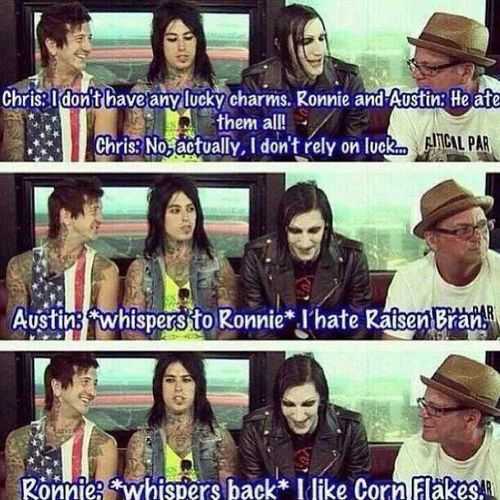 Omfg this is amazing. I love them I could careless what you think of them. There perfect Omfg! <3 Bands Motionless In White Ofmice&men #fallinginreverse