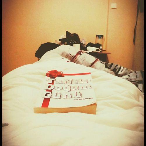 Kitap Kitapkurdu Kitapkokusu Kitaplar Kitapsevgisi Kitaplariyikivar BeforeSleeping Relaxing Enjoying Life Hello World yatmadan once bi kitap
