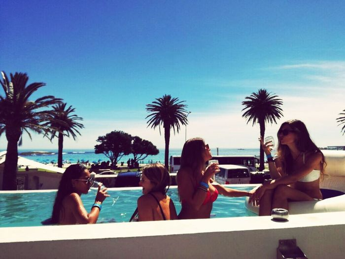 Meine girls Water Palm Tree Togetherness Lifestyles Leisure Activity Enjoyment Vacations Relaxation Blue Friendship Taking Photos Hello World Palm Tree Hanging Out Cape Town Young Women Highlife Bay Hotel