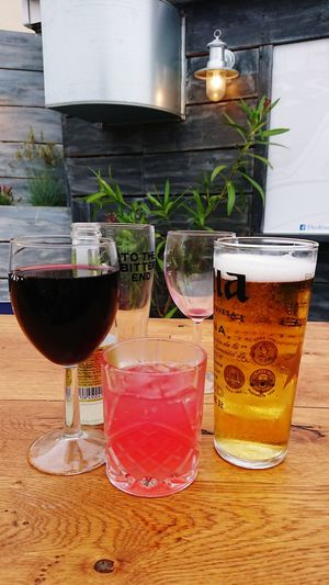 Glasses Drinking Session Summer Pub Garden Bluebell Pub Emsworth Wineglass Alcohol Drink Wine Drinking Glass Cocktail Red Wine Food And Drink Tonic Water GIN