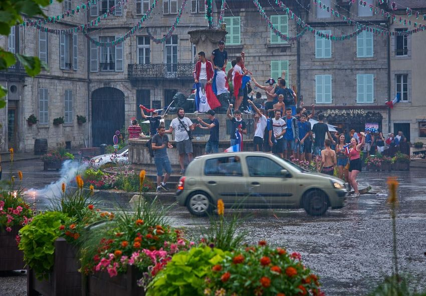 Weltmeister Champions Worldchampions  Soccer World Cup Winner France We Are The Champions Fifa2018 Goals ❤️❤️❤️❤️ FIFA World Cup Russia Architecture Car Mode Of Transportation Motor Vehicle City Transportation Love The Game Group Of People