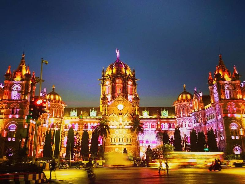 Mumbai Meri Jaan! ♥️ Busylife Longexposurephotography MumbaiDiaries Mumbaicity EyeEm Selects CST Mumbai Night Clock Tower Travel Destinations Illuminated Architecture Mobility In Mega Cities EyeEmNewHere Colour Your Horizn