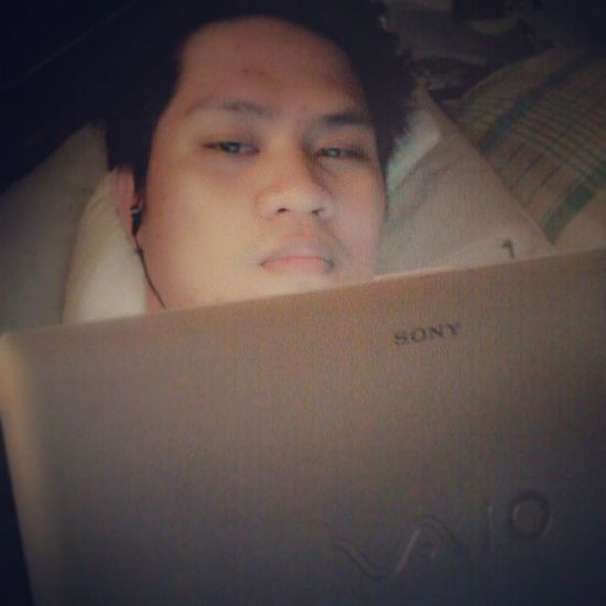 Chilling in my room... Homebuddy movie marathon in this cold afternoon. Selfie Sony vaio :)