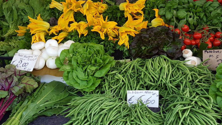 Beautifully Organized Freshness Market Flower Food Variation Retail  No People Beauty In Nature Healthy Eating Colours Vegetables Vegetables Market Freshness Market Flower Food Variation Retail  No People Beauty In Nature Healthy Eating Nature
