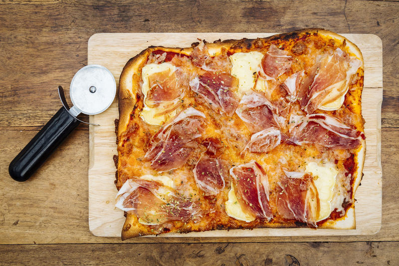 Baket Brie Cheese Cured Dish Dough Food Food And Drink Haarlem Herbs Iberian Food Italian Food Meat Mediterranean  Oregon Pizza Pizza Cutter Rustic Serrano Snack Traditional Wood - Material