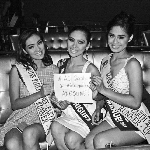 Hello Ladies! TBT  Throwbackthursday  MissPhilippinesEarth2013 MissPhilippinesEarth2013RunnerUps ladies holdthesignplease