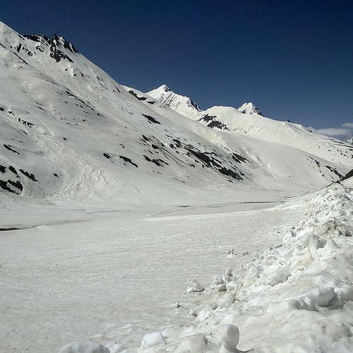 Zozilla Pass also called 0 point... Captured on my way from Srinagar to Leh Ladakh, Jammu Kashmir, India. Zozillapass Zozilla Ladakh Jammu Kashmir Nature Snow Nofilter