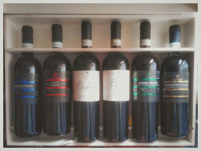 Dolcetto Roero Barbera  Nebbiolo Barolo Barbaresco S3 Mini Android Photography Smartphone Photography Italian Wines Piedmont Vini Bottiglie Regalo Bottle Indoors  No People Variation Large Group Of Objects Alcohol Day Close-up